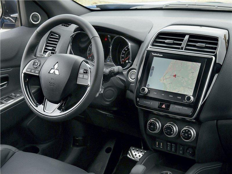 Салон Mitsubishi ASX 2020