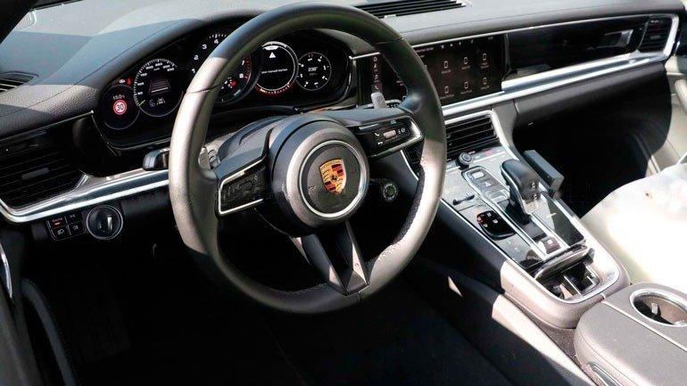 Салон Porsche Panamera 2020