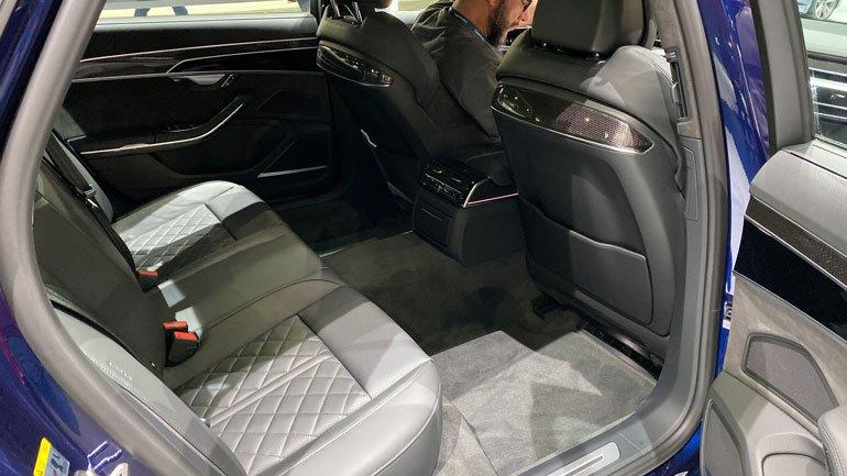 Audi S8_Салон