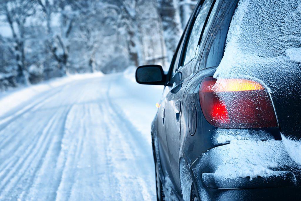 Подготовка автомобиля и вождение в зимнее время