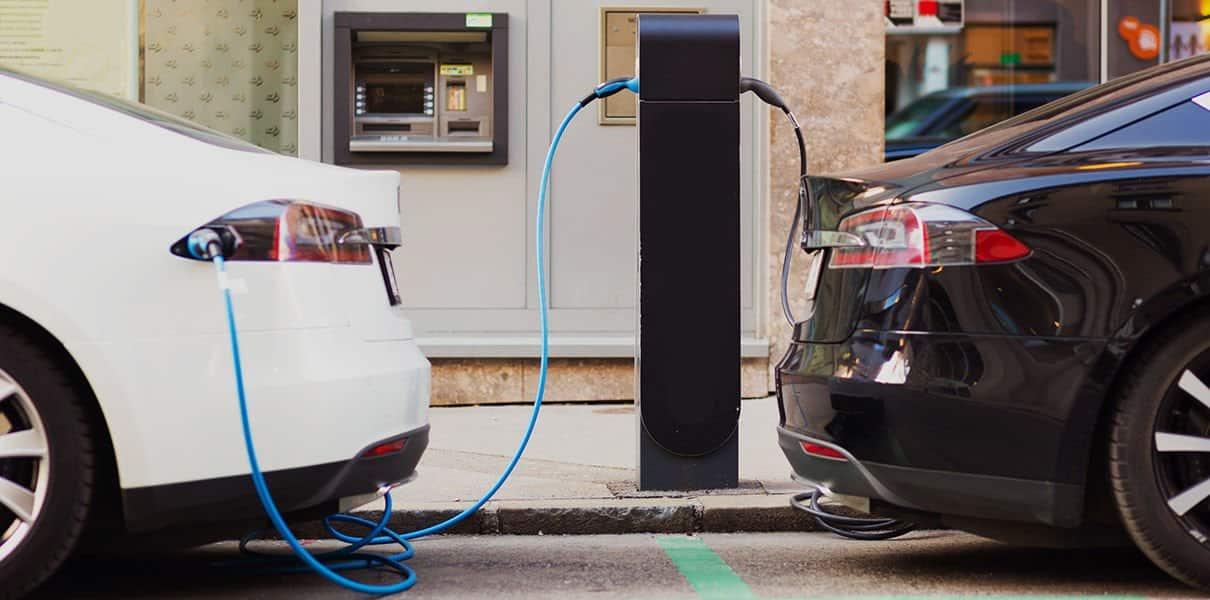 Автомобилисты активно пересаживаются на электромобили