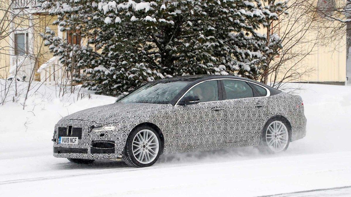 Jaguar XF 2021 модельного года