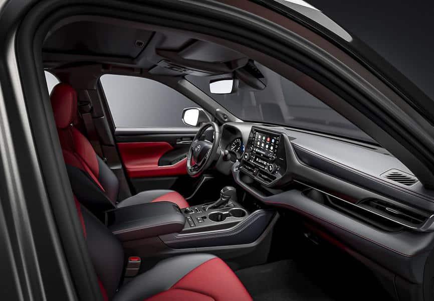 Салон Toyota Highlander XSE