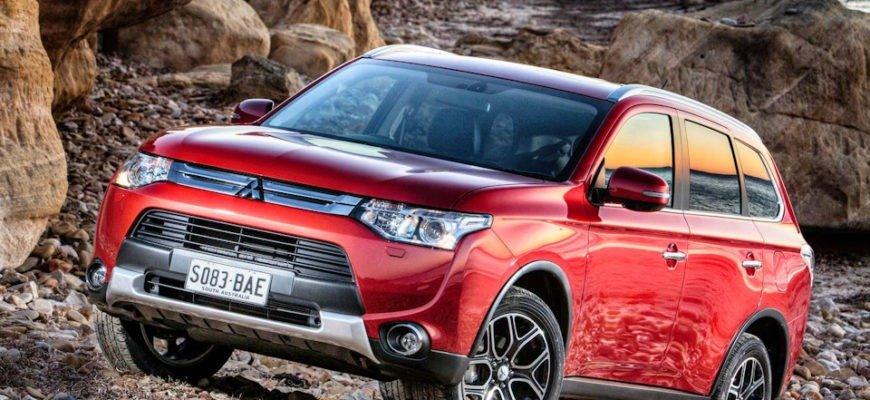 Mitsubishi Outlander: покупать или нет?