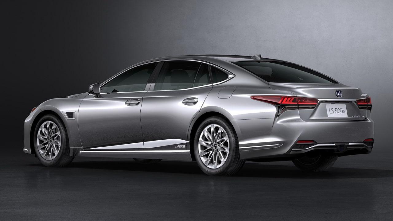 Новый Lexus LS 2021
