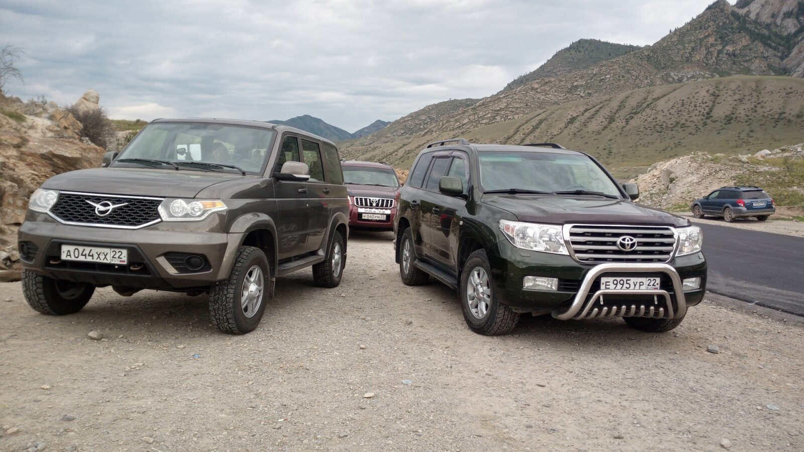 UAZ Patriot с АКПП vs Toyota Land Cruiser б/у
